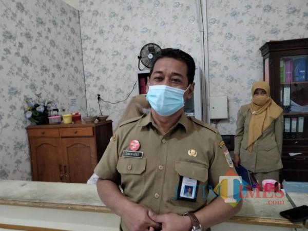 Plt Kepala Dispendukcapil Kabupaten Malang Shirath Aziz. (Foto: Riski Wijaya/MalangTIMES)