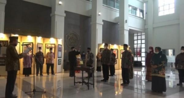 Suasana saat pelantikan dekan dan direktur Pascasarjana UIN Maliki Malang. (Ist)