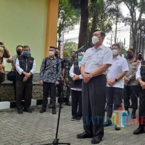 Luhut Tinjau Isoter di Kota Malang, Sampaikan Titipan Salam dari Presiden
