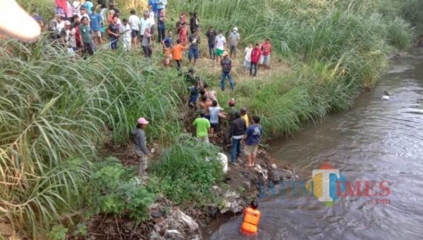 Proses evakuasi IF, Sabtu (14/8/2021) sore. (Foto: Istimewa)