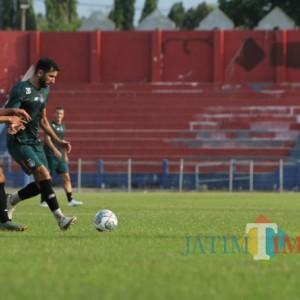 Menang 4-0 atas PSBI, Joko Susilo Minta Skuad Persik Bermain Lebih Simpel