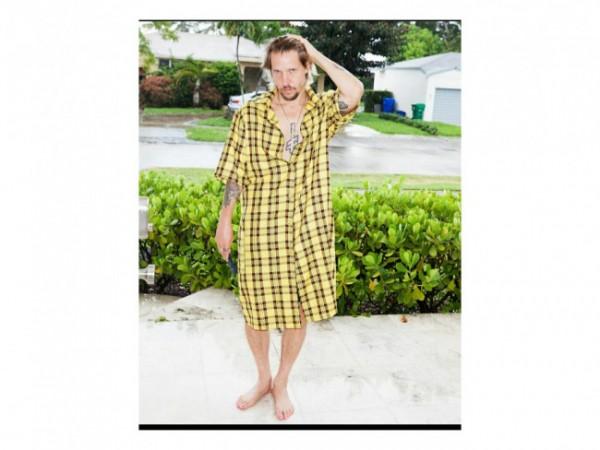 Trend baru, dress khusus pria. (Foto: Instagram @hesherworld).