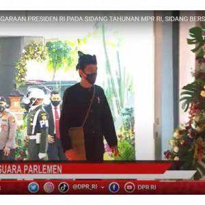 Jokowi Hadir Pakai Baju Adat Suku Baduy di Sidang Tahunan MPR