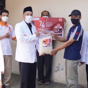 Berbagi Sesama, Cara DPD PKS Kota Malang Peringati HUT RI ke-76