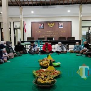 HUT RI ke 76 di Bulan Suro, Warga Pojok Ngantru Gelar Malam Tirakatan