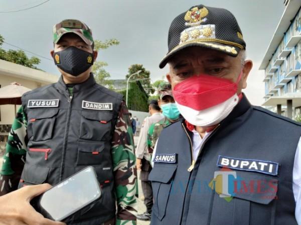 Bupati Malang HM. Sanusi bersama Komandan Kodim 0818 Kabupaten Malang-Kota Batu Letkol Inf. Yusub Doddy Sandra.(Foto: Riski Wijaya/MalangTIMES).