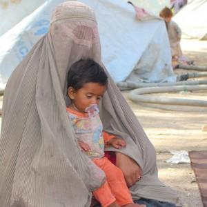Terus Dipukuli Taliban, Sejumlah Ibu Lempar Bayinya ke Tentara Asing di Bandara