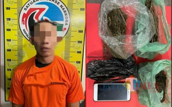 Tersangka RG dan barang bukti yang diamankan polisi (Foto: Dokpol for Tulungagung TIMES)