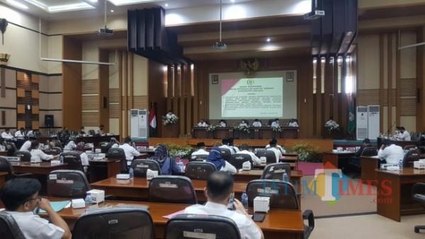 Ilustrasi Rapat Paripurna di Gedung DPRD Kabupaten Malang.(foto: Riski Wijaya/MalangTIMES).