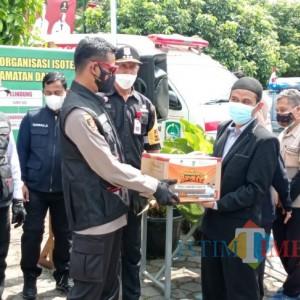 BMH Jatim Gerai Malang Beri Bantuan Paket Sembako Bagi Warga di Isoter Kecamatan Dau