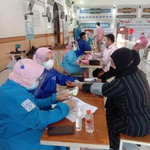 Vaksinasi di Pondok Bahrul Maghfiroh, Gebrakan Rumah Ibadah Bergerak di Masjid Al-Fatah Ali