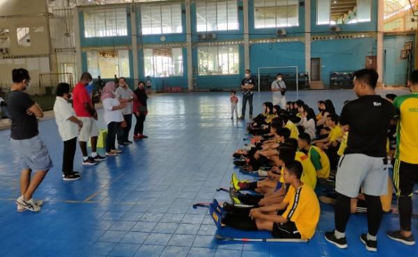 Atlet Hockey Gresik ketika menjalani latihan, Rabu (25/8/2021). (Foto : Syaifuddin Anam/GresikTimes)