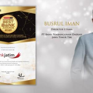 Berikan Stimulan Positif di Masa Pandemi, Bank Jatim Raih Penghargaan Indonesia Best Bank 2021