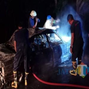 Mobil Terbakar Hebat, Penumpangnya Satu Keluarga