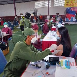 Siapkan 1.000 Dosis Vaksin, Kodim 0833/Kota Malang Bersama STIE Malang Kucecwara Gelar Vaksinasi