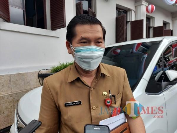 Kepala Dinas Kesehatan Kota Malang dr Husnul Muarif saat ditemui pewarta di Balai Kota Malang beberapa waktu lalu. (Foto: Tubagus Achmad/JatimTIMES)