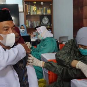 Dukung Pencapaian Herd Immunity Lawan Covid-19, DPD PKS Kota Malang Gelar Vaksinasi Mandiri