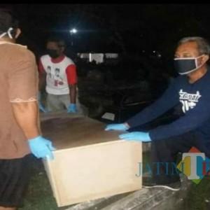 Kisah Relawan Bank Sampah di Tulungagung yang Rela Jadi Penggali Kubur dan Petugas Pemakaman Jenazah Pasien Covid-19