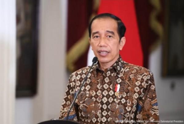 Presiden RI Joko Widodo (Jokowi) saat mengumumkan perpanjangan PPKM Jawa-Bali di Sekretariat Negara. (Foto: screen capture YouTube Sekretariat Presiden).