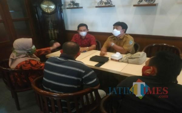 Suad Bagyo, berseragam bersama pengurus FKPD Tulungagung (Foto: Istimewa/ TulungagungTIMES)