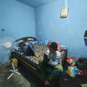 Jalani Perawatan 11 Hari di RSSA Malang, Ayah yang Dirawat Bocah Ilham Kembali ke Rumahnya