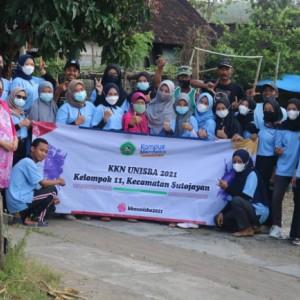 Dorong Ketahanan Pangan, Mahasiswa KKN Unisba Blitar Bantu Pengembangan Kampung Sayur Pandanarum