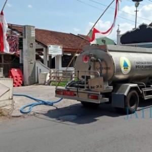 BPBD Bondowoso Terus Pasok Air Bersih Kebutuhan Cuci Tangan