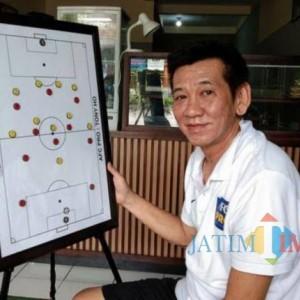 Persedikab Resmi Gaet Tony Ho sebagai Pelatih Kepala Musim Ini