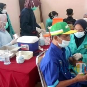 80 Penyandang Disabilitas Kota Blitar Divaksin Covid-19, Polisi Beri Fasilitas Antar Jemput