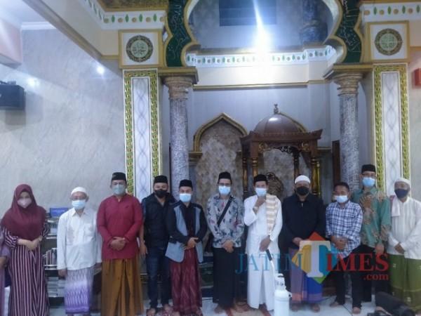 Tim RIB yang mengunjungi Masjid Jami Al Juraij untuk mensosialisasikan Program RIB (Anggara Sudiongko/MalangTIMES)