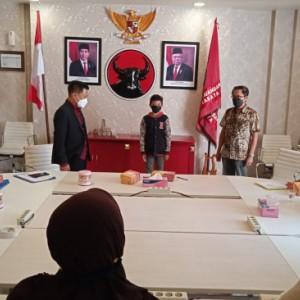 Ancaman Wali Kota Eri soal Seragam Sekolah Tak Digubris, Fraksi PDIP Surabaya Bergerak