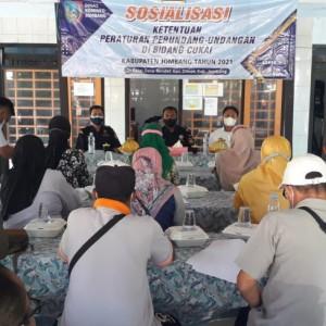 Warga di Jombang Diberi Pemahaman Cukai dan Kampanye Gempur Rokok Ilegal Disosialisasikan