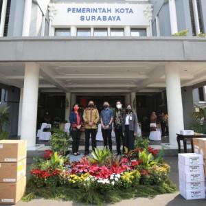 Kota Surabaya di Hati, Pemkot Terima Bantuan Ribuan Sembako dari Mayapada Group