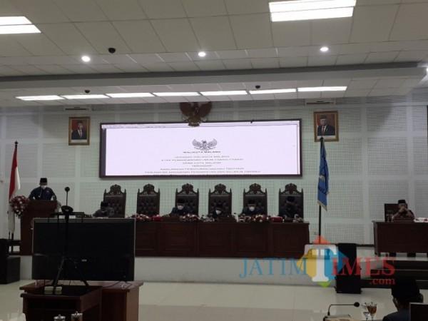 Rapat Paripurna di Ruang Sidang DPRD Kota Malang, Jumat (3/9/2021). (Arifina Cahyanti Firdausi/MalangTIMES).