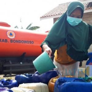 BPBD Bondowoso Dropping 10 Ribu Liter Air Bersih ke Daerah Kekeringan