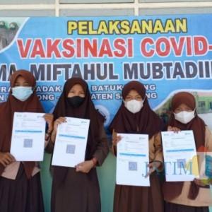 Segera Belajar Tatap Muka, Mts dan MA Miftahul Mubtadiin Gelar Vaksinasi Bagi Siswa