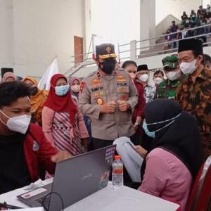 Di UIN Maliki Malang, Mahasiswa dan TNI-Polri Kolaborasi Gelar Gerakan Vaksinasi Mahasiswa Nasional