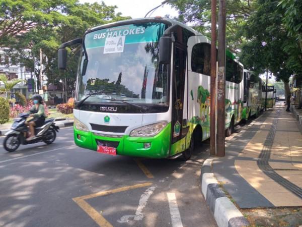 Bus sekolah Disdikbud Kota Malang yang mulai dioperasikan (Ody Tubagus/MalangTIMES)