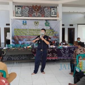 Perangi Rokok Ilegal, Petugas Keliling Desa di Pamekasan