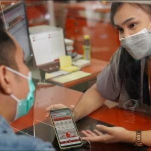 Bank Jatim Raih Penghargaan Bank dengan Kinerja Sangat Bagus Selama 20 Tahun Berturut