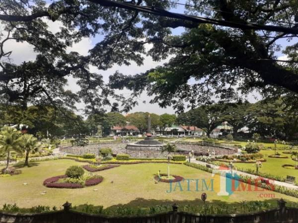 Alun-Alun Tugu Kota Malang. (Arifina Cahyanti Firdausi/MalangTIMES).
