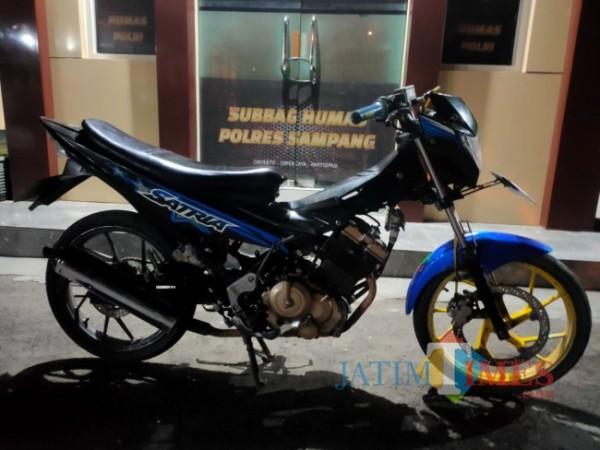 Barang bukti sepeda motor yang diamankan Polres Sampang
