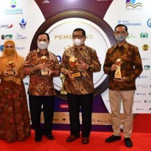 Hebat, Bupati Tulungagung Terima 2 Penghargaan Sekaligus di Top BUMD Awards 2021