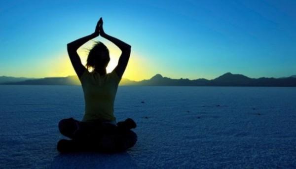 Ilustrasi yoga (aisquared)