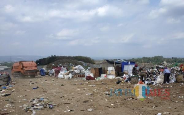 TPA Supit Urang yang nantinya akan semakin berkurang dengan adanya sanitary landfill (foto: Hendra Saputra/ MalangTIMES)