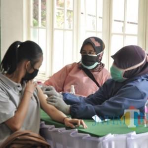 Vaksinasi Covid-19 Dosis 3 Tenaga Kesehatan di Kota Batu Capai 69 Persen
