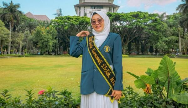 Elisa Danik Kurniawati, mahasiswa Fakultas Kedokteran, Prodi Kebidanan Universitas Brawijaya (UB) ini lulus dengan capaian Cumlaude dengan IPK 3,81 pada jenjang Magister (Ist)