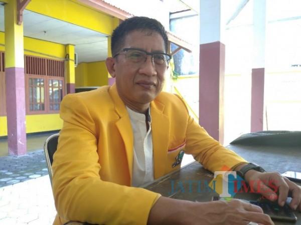 Drs. H. Suigsan MM, Ketua DPD Partai Golkar Lumajang (Foto : Moch. R. Abdul Fatah / JatimTIMES)
