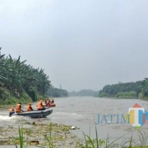 Pencari Ikan yang Tenggelam di Sungai Brantas Jombang Ditemukan Tewas