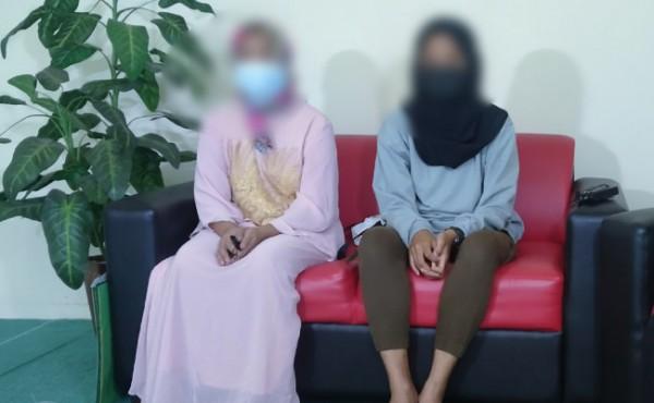 MA dan sang Ibu kala bercerita kisah haru karena mengalami kelainan pada organ kelaminnya (Anggara Sudiongko/MalangTIMES)